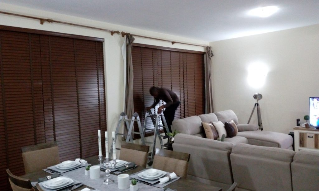 Wood/aluminium blinds